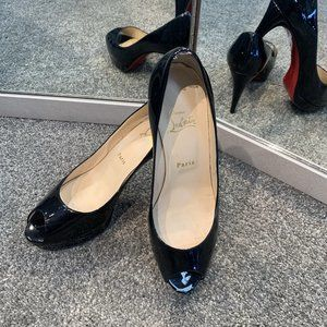 LUXURY Christian Louboutin Peep toe